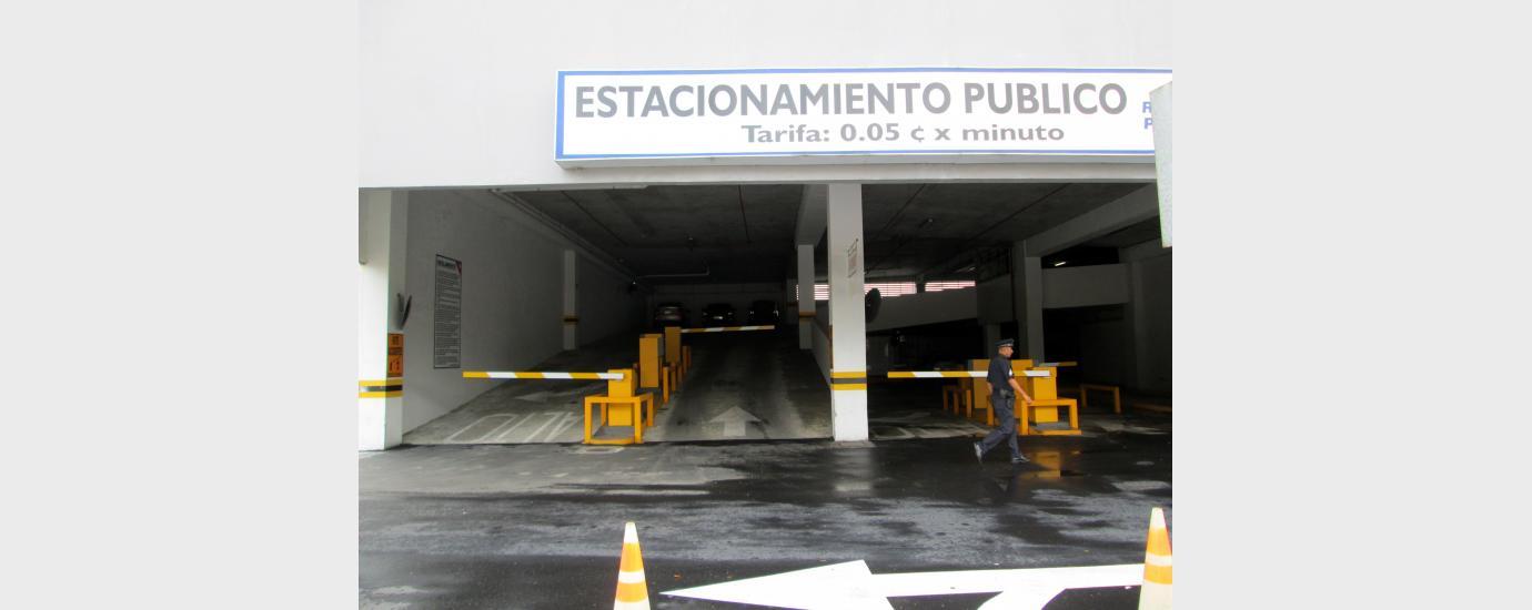 Albrook Airport Parking Garage