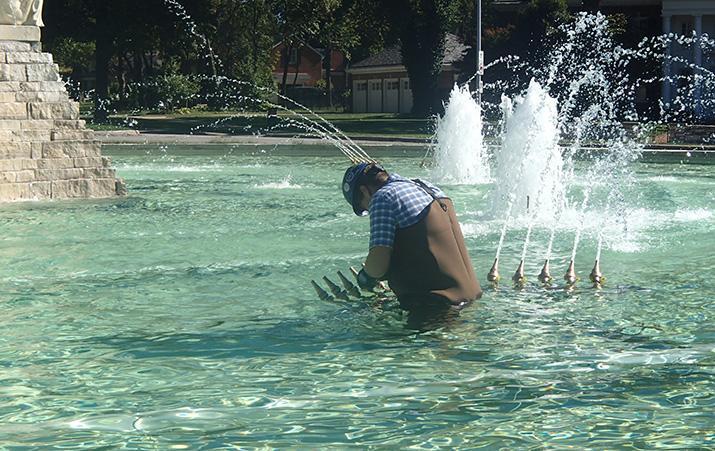 Walter P Moore - David Ford - Meyer Circle Fountain